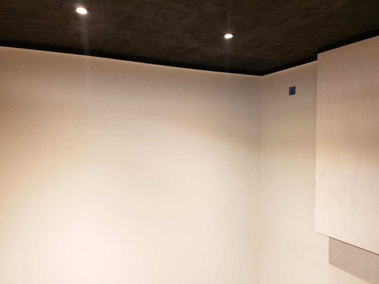 Garage_plinten_plafond1.jpg