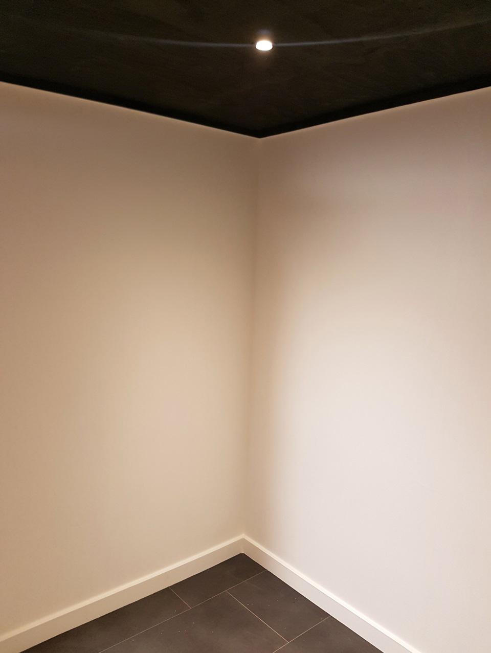 Garage_plinten_plafond2.jpg