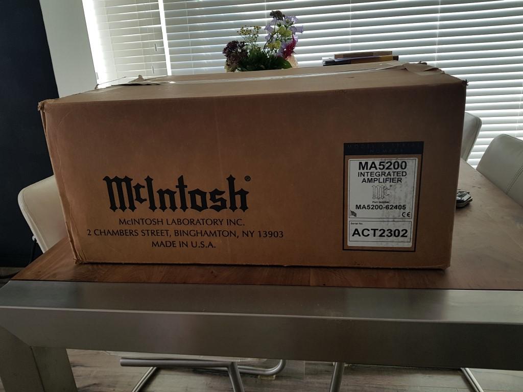 McIntosh_MA5200_1.jpg