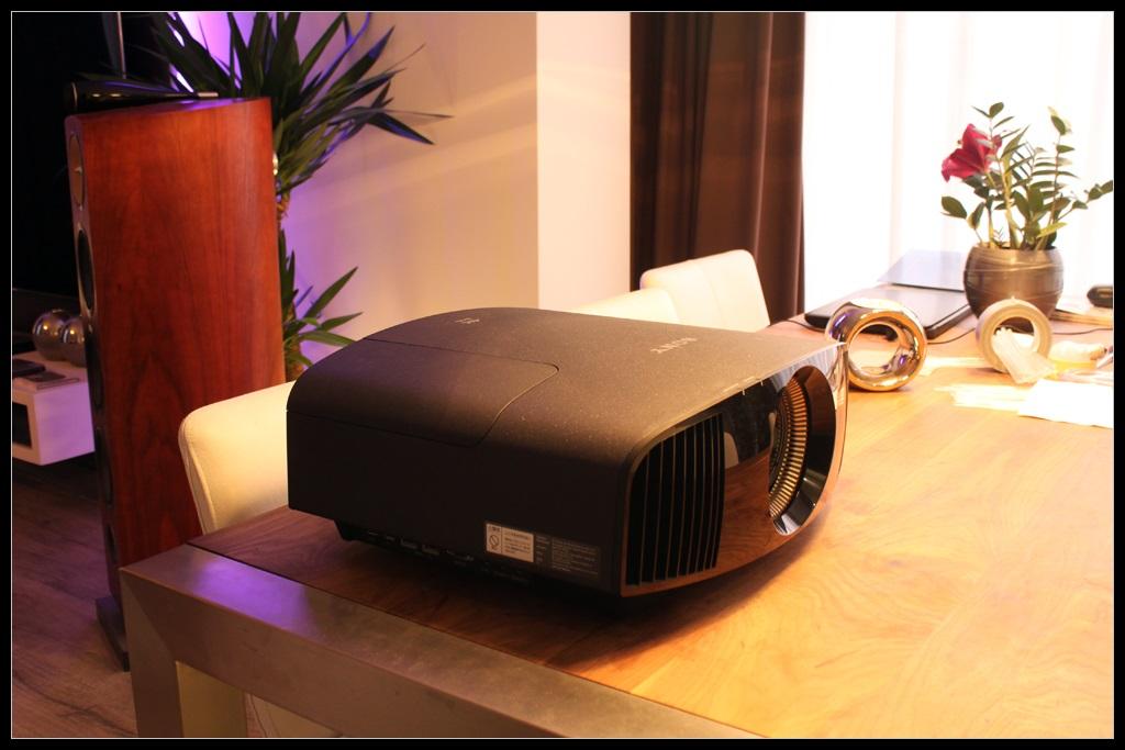 SONY_VW500_2.JPG