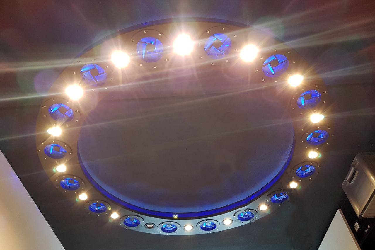 Space_lamp2.jpg