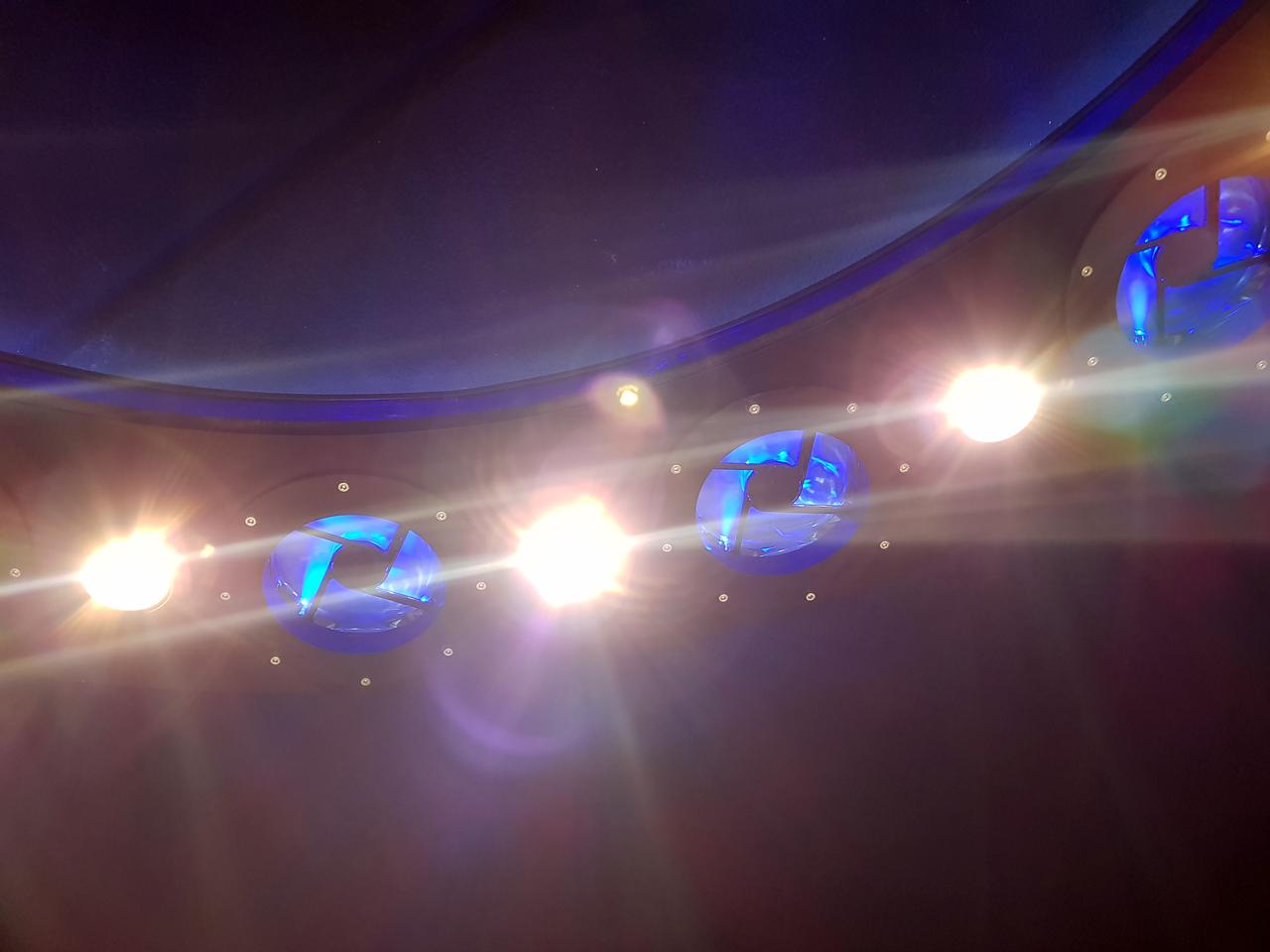 Space_lamp4.jpg