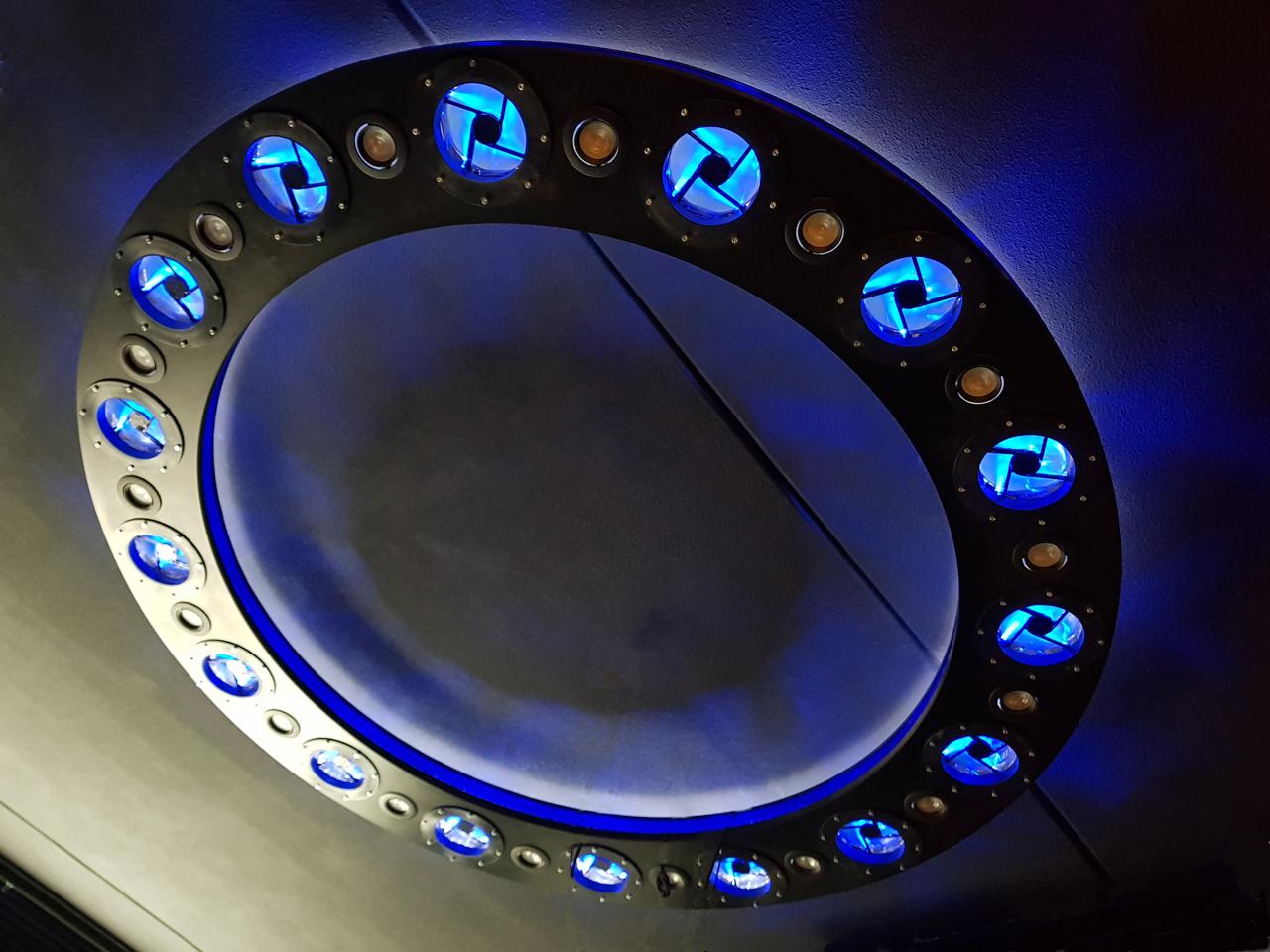 Space_lamp5.jpg