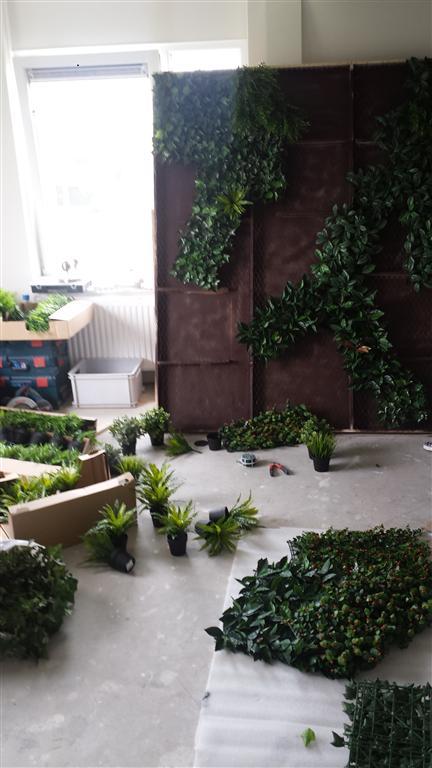 Vertical_Garden_beplanten2.jpg