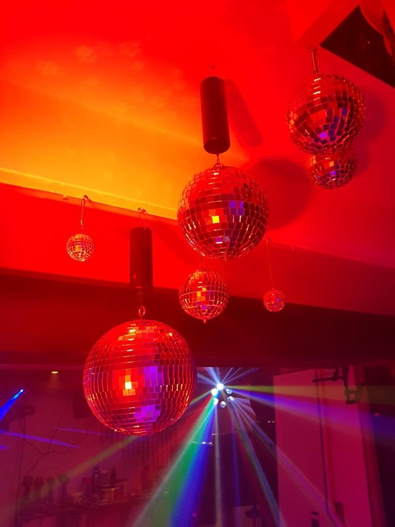 feestje_garage_6.jpg